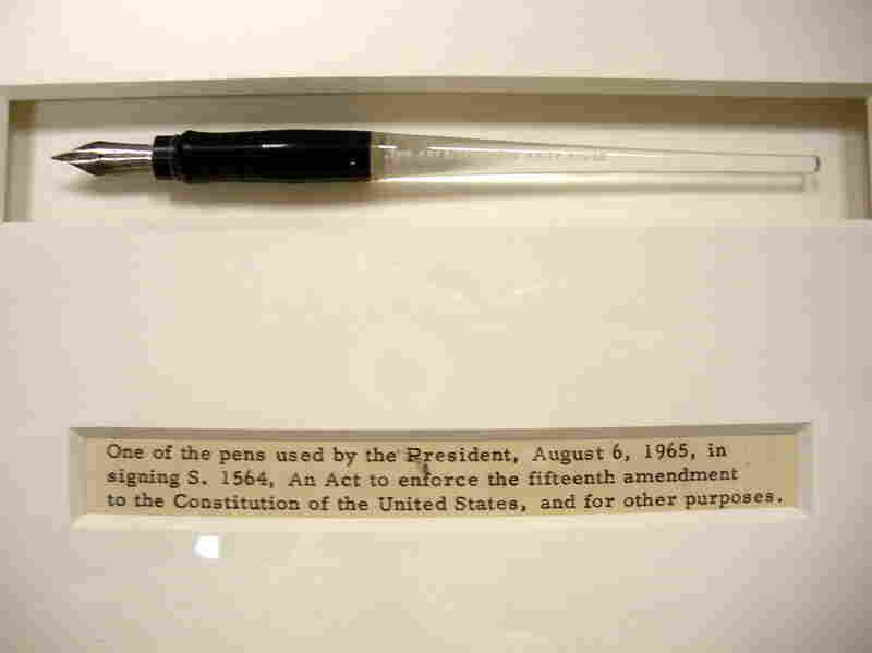 Pen Used By Lyndon B. Johnson To Sign The Voting Rights Act Of 1965 The act outlawed educational requirements for voting. Johnson symbolically chose to sign the Voting Rights Bill in the President's Room, just off the Senate chamber, where Abraham Lincoln had signed legislation freeing slaves employed by the Confederacy on Aug. 6, 1861.