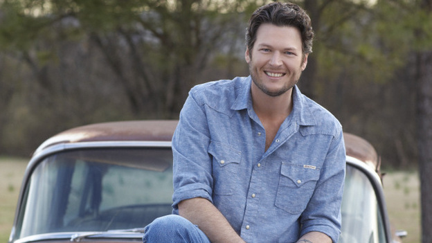 "Blake Shelton has just scored his fourth consecutive No. 1 county hit with ""Honey Bee,"" from Red River Blue. (Warner Music Nashville)"