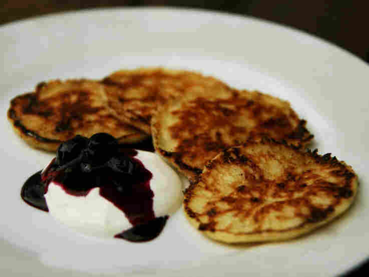 Syrniki (Curd Cheese Pancakes)