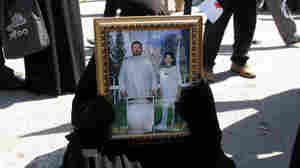 In Iraqi Square, A Plea For Missing Relatives