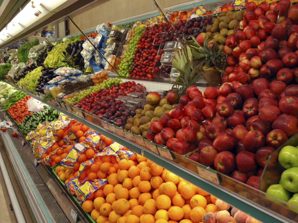 Inflation doesn't account for the fact that when the price of one fruit goes up, consumers often buy another. Changing the way the government measures inflation would be one way to reduce the deficit. (iStockphoto)
