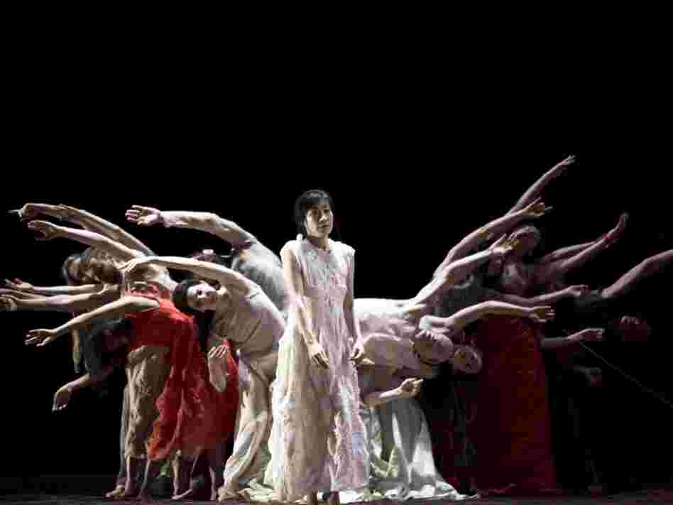 Toshio Hosokawa's Matsukaze premiered July 15, 2011 at the Staatsoper as part of the festival Infektion!