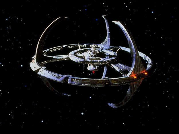 What if the spacecrafts from the television program <em>Star Trek: Deep Space Nine </em>were piloted by the operating system Windows 7?