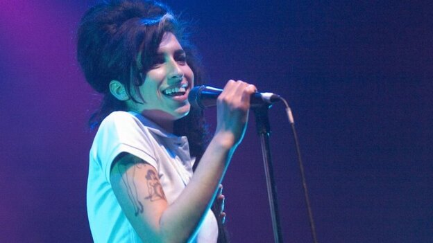 Amy Winehouse onstage in London in 2007.