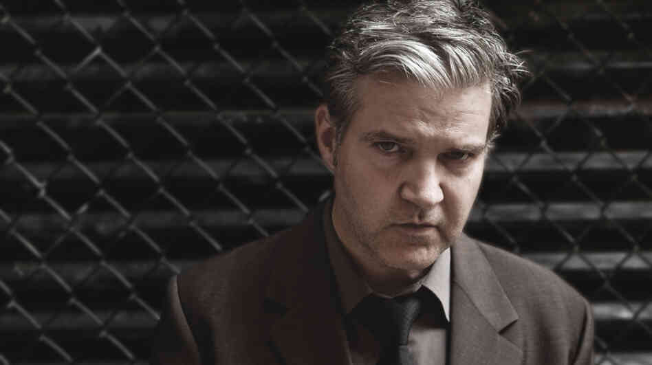 Singer-songwriter Lloyd Cole performs on today's World Cafe.