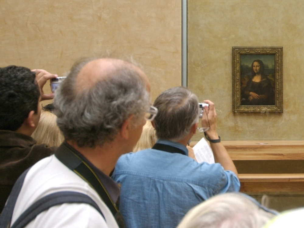 Of the more than 35,000 works of art in the Louvre, perhaps none is more popular than the Mona Lisa.