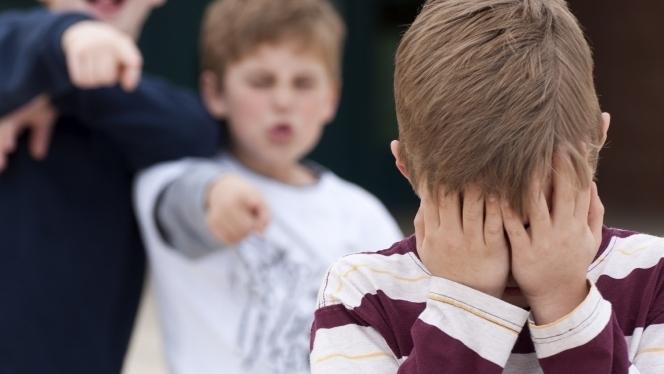 El niño, humillado, se verá en la necesidad de buscar mecanismos de protección