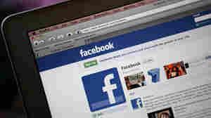 Mo. Outlaws Student-Teacher Facebook Friends