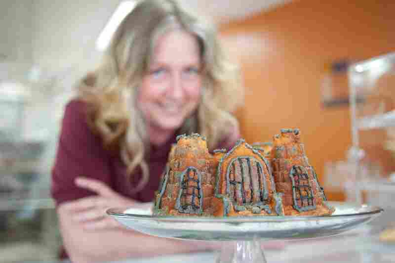 Joyce Wells, owner of the Eatmor Bundt Co., meticulously re-created Shawshank Prison, aka the Ohio State Reformatory, in a cake. Her secret: a sand castle mold.