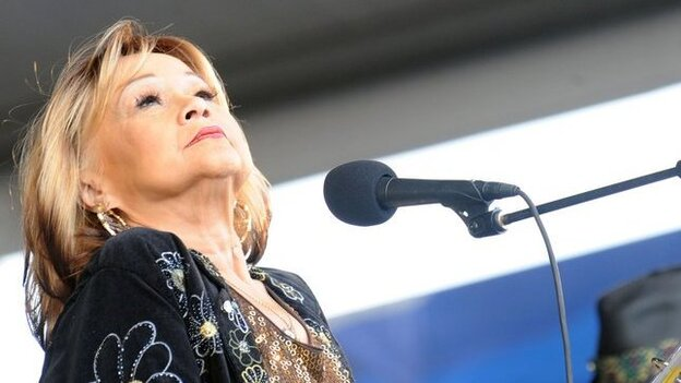 Etta James onstage at the 2009 New Orleans Jazz & Heritage Festival.