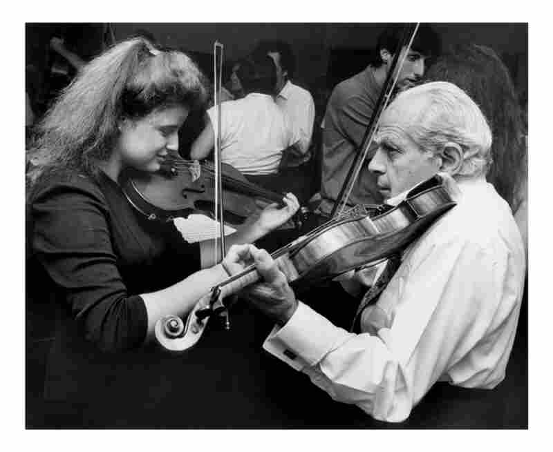 Felix Galimir (right) with Renee Jolles in 1990.