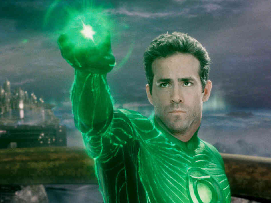 Ryan Reynolds plays Hal Jordon in this year's Green Lantern.