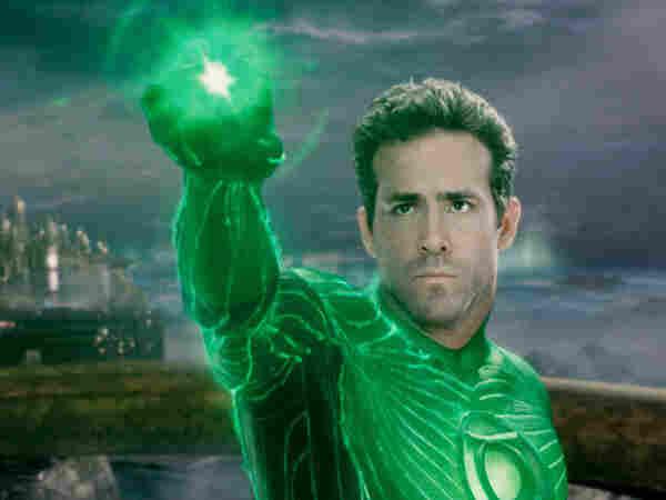 Ryan Reynolds plays Hal Jordon in this year's Green Lantern.