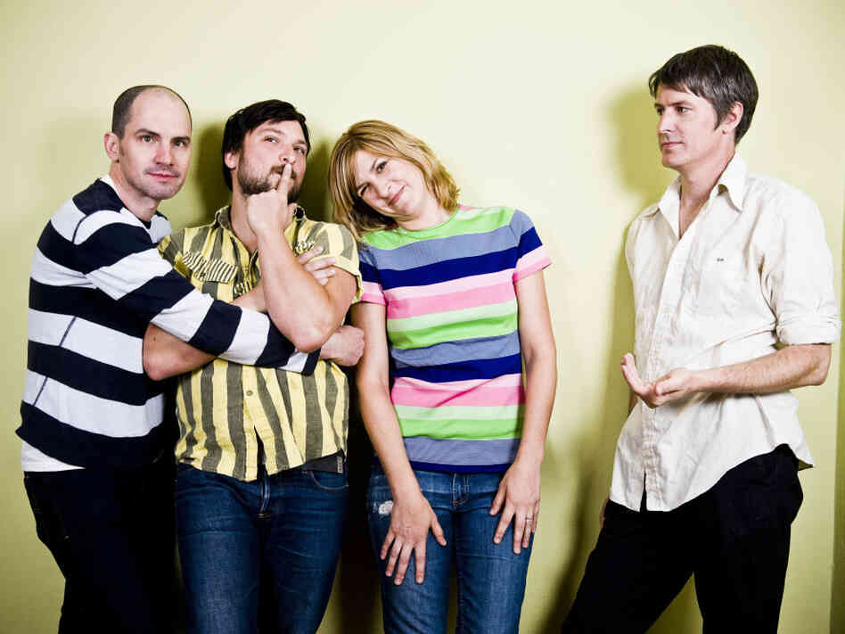 Stephen Malkmus and The Jicks collaborate with Beck on the new Mirror Traffic.