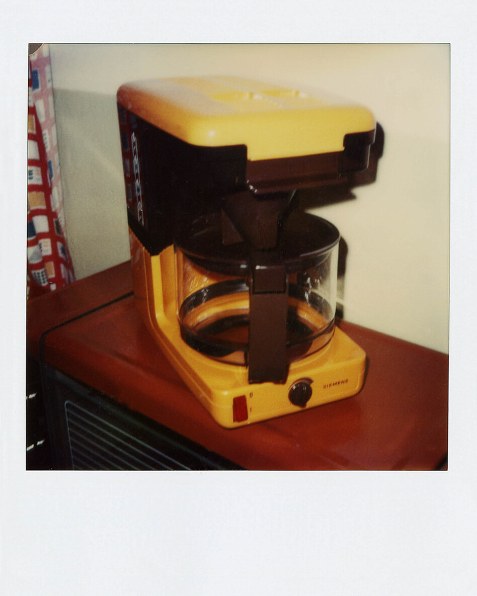 What Stasi agents might have found in someone's home would be open to interpretation. Because this Siemens coffee machine was made by a West German manufacturer, it could be evidence of contacts with West German agents. Or it might have just been a gift from relatives in West Germany. (Simon Menner)