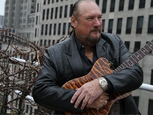 Dedicated: A Salute to the 5 Royales is a tribute to the soul group, helmed by guitarist Steve Cropper.