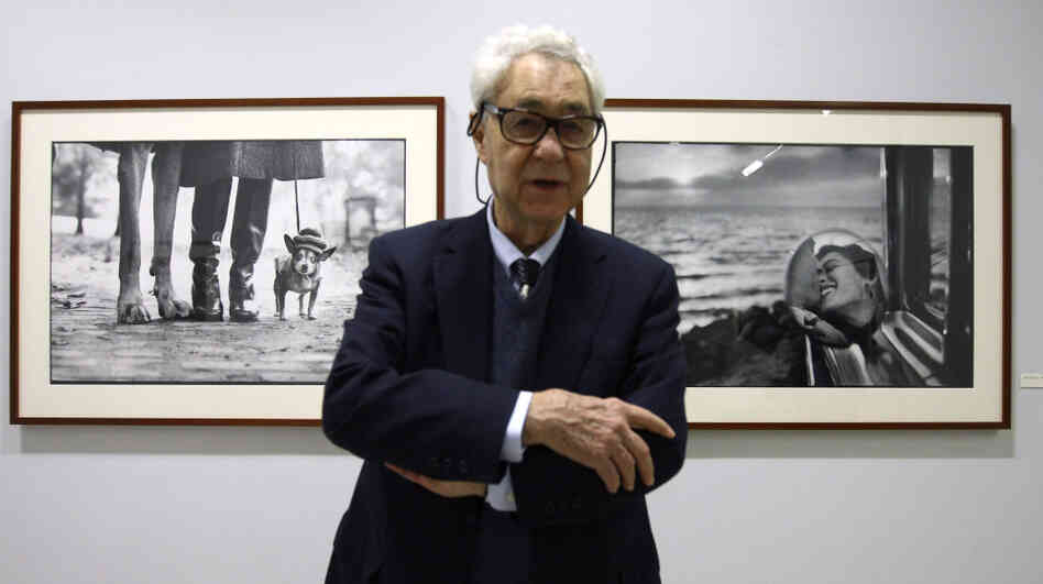 "Elliott Erwitt poses during the press visit of his exhibition ""Personal Best"" in Paris, 2010."