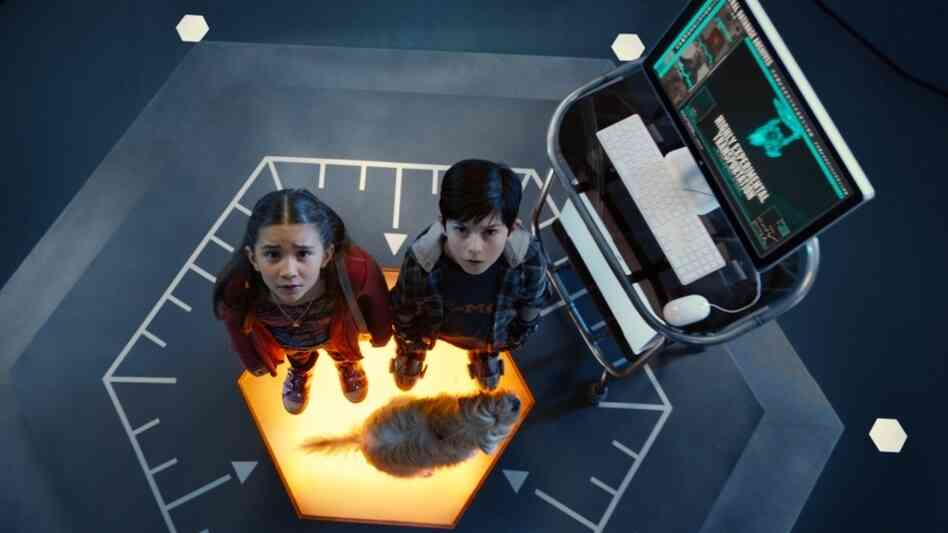 Rowan Blanchard and Mason Cook in Spy Kids: All The Time In The World In 4D.