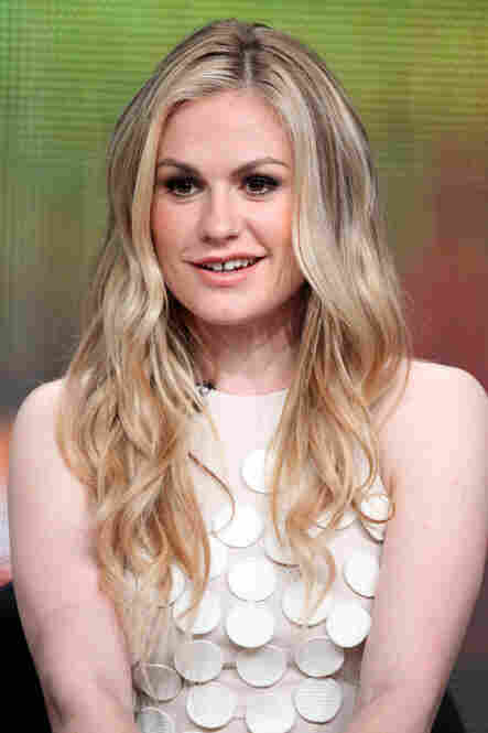 Anna Paquin's dress during the panel for True Blood (one of the few to discuss ongoing, rather than new, shows) featured these little circles. What magical powers they may possess, we do not know.