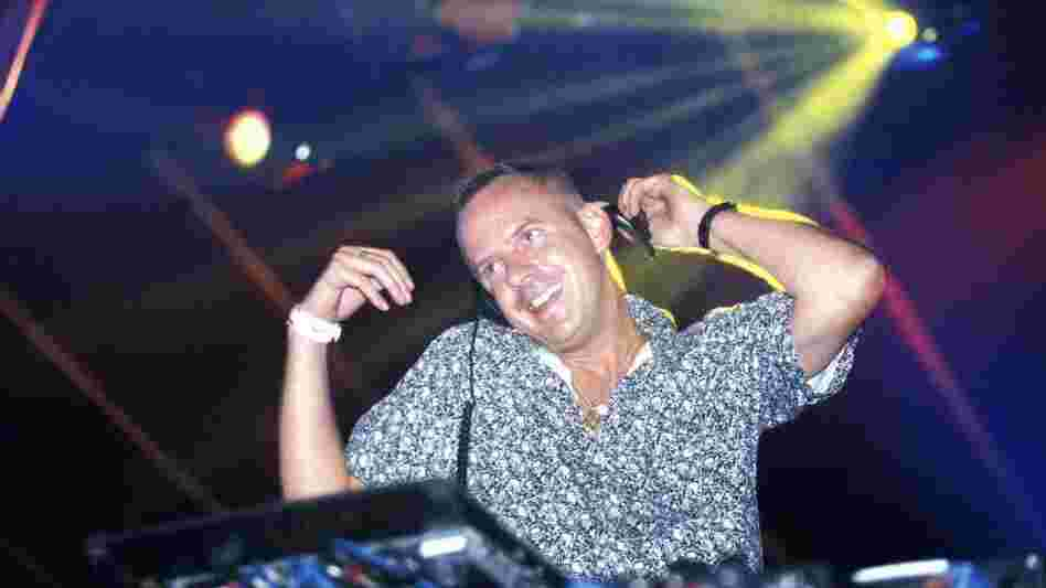 Fatboy Slim in the booth, circa 2000.