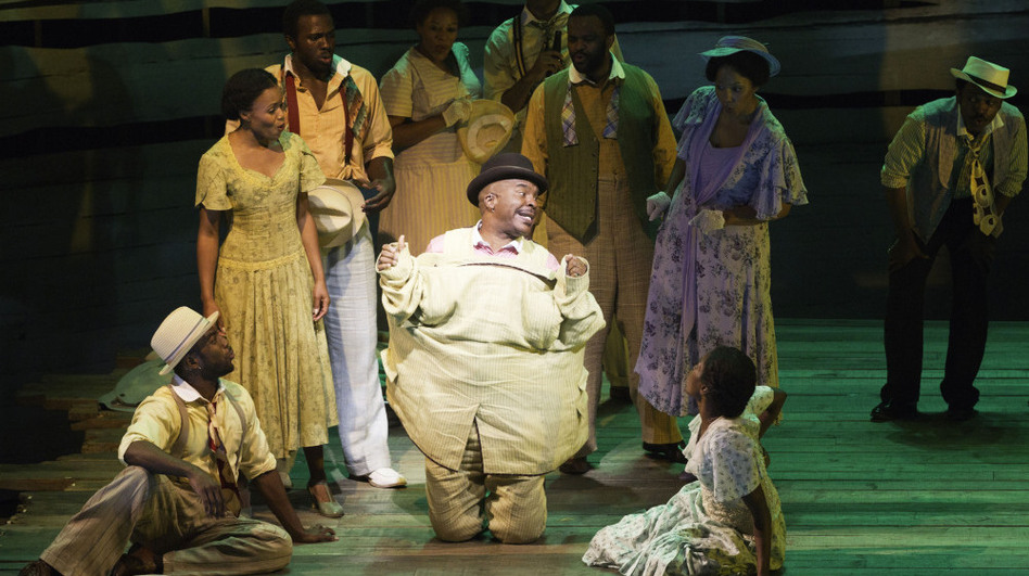 David Alan Grier plays the drug dealer Sportin' Life in Porgy and Bess. (Courtesy of the American Repertory Theater)