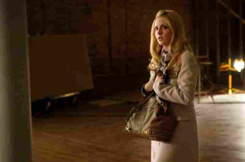 Sarah Michelle Gellar became massively famous as Buffy The Vampire Slayer. Now, she'll be on the CW's Ringer, playing a pair of identical twins.