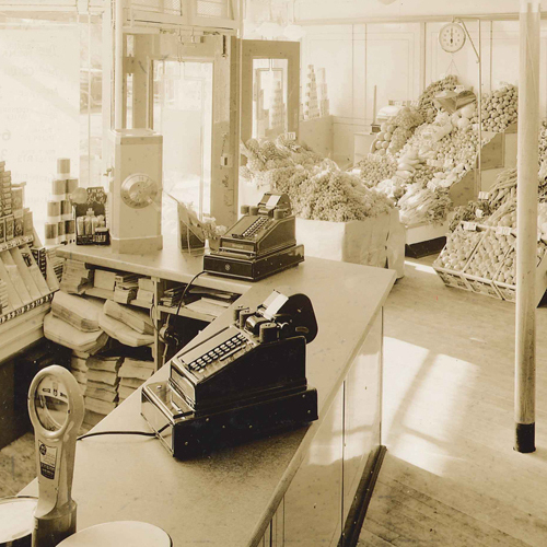 In 1933, most A&P stores still carried fresh produce and operated on a self-service basis.