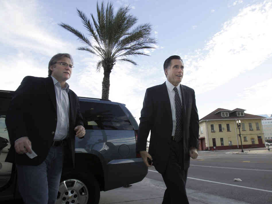 Republican adviser Eric Fehrnstrom in January 2008 with Mitt Romney in Jacksonville,