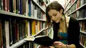College Freshmen Learn From 'Henrietta Lacks'