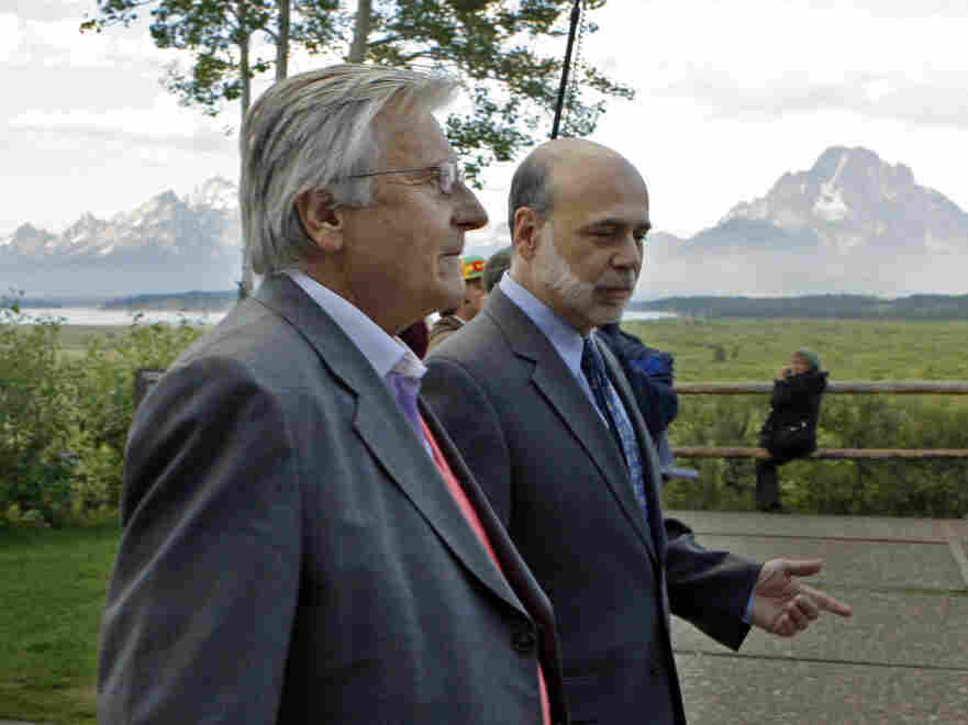 Federal Reserve Chair Ben Bernanke (r) and European Central Bank president Jean-Claude Trichet in Jackson Hole, WY,  Aug. 26, 2011.