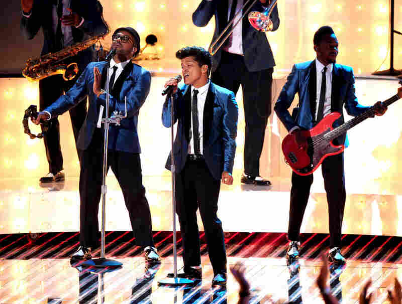 "Bruno Mars performed a version of ""Valerie"" as part of the VMAs tribute to Amy Winehouse, who died earlier this year."