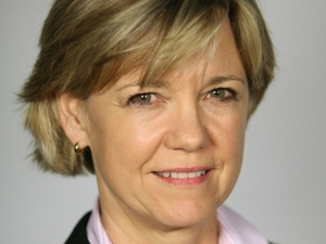Dana Priest received the 2008 Pulitzer Prize for her coverage of the Water Reed Army Medical Center and the 2006 Pulitzer Prize for her work on CIA secret prisons.