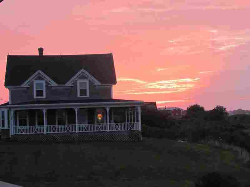Commentator Amy Dickinson rents an idyllic cottage on Block Island, R.I.