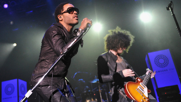 Lenny Kravitz and guitarist Craig Ross, performing in New York this summer. (Getty Images)