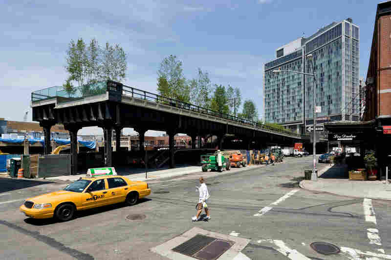 The Gansevoort Plaza and Overlook sit at the High Line's southern terminus, at Gansevoort and Washington streets.