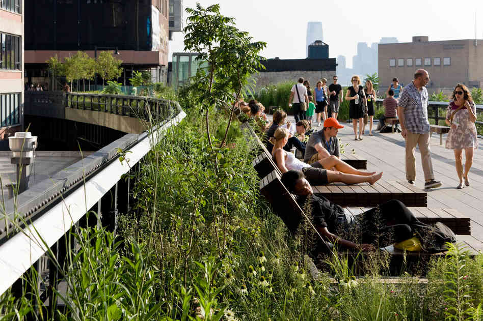 Located between 14th and 15th streets, the High Line's Sundeck offers unobstructed sun and views over the Hudson River. It's one of th