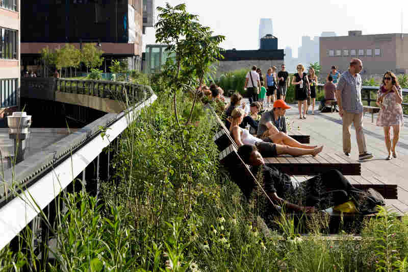 Located between 14th and 15th streets, the High Line's Sundeck offers unobstructed sun and views over the Hudson River. It's one of the park's most popular gathering places.