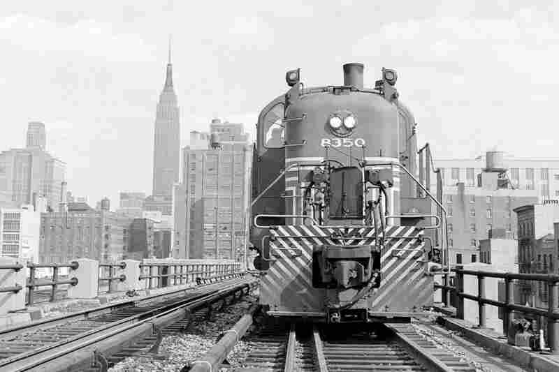 The growth of interstate trucking in the 1950s led to a drop in rail traffic both nationally and on the High Line, pictured here in 1953.