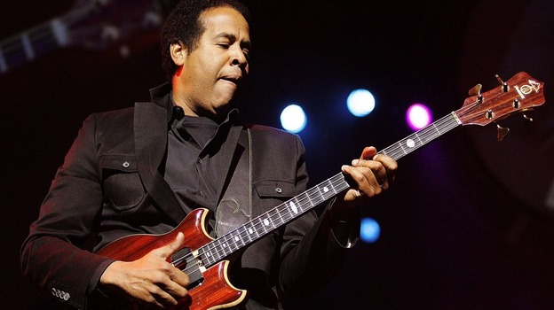 Stanley Clarke performs on stage during the Standard Bank Joy of Jazz festival in 2007. (Getty Images)