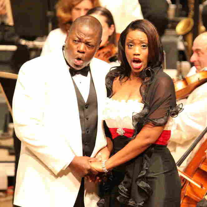 Laquita Mitchell as Bess and Alfred Walker as Porgy in the Tanglewood production of Porgy and Bess.