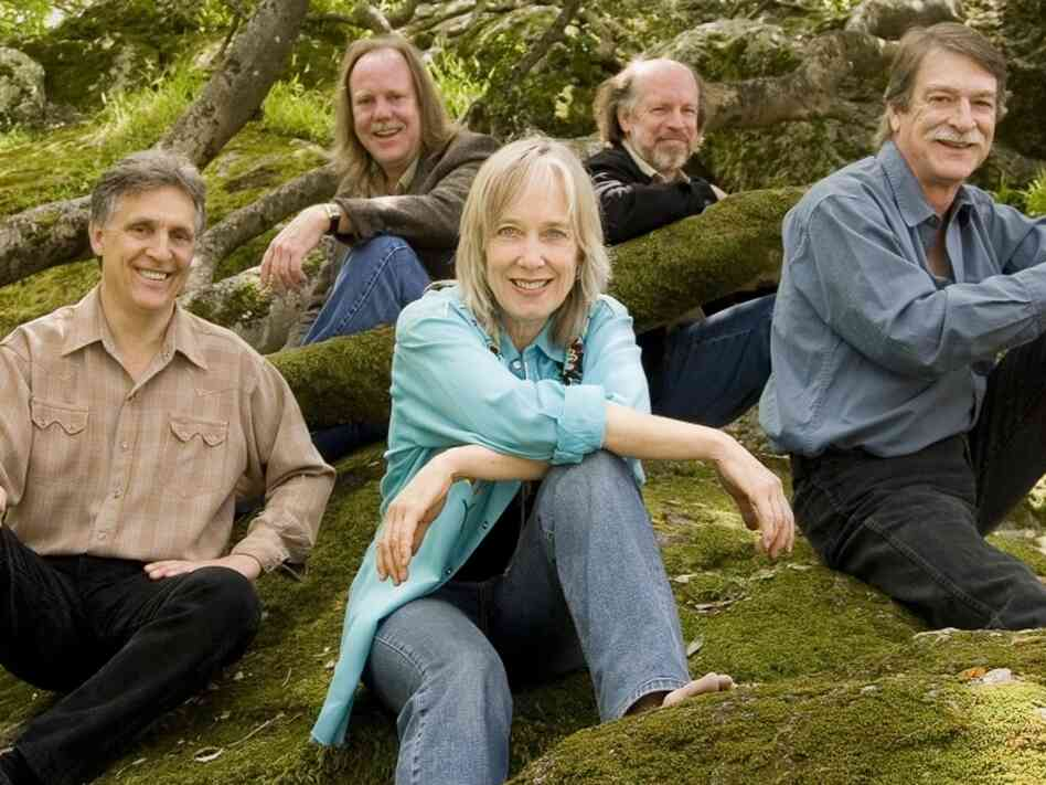 Laurie Lewis and her band