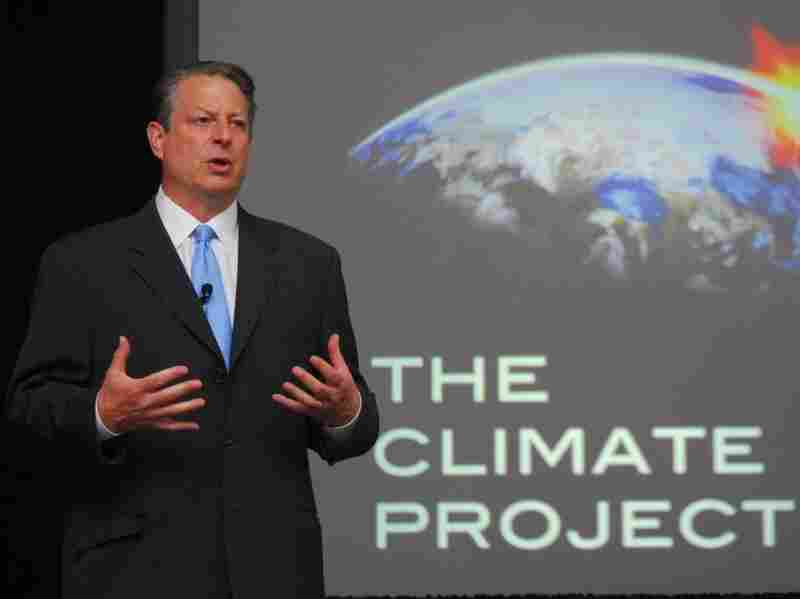 Former Vice President Al Gore trains a group of presenters for the 24 Hours of Reality project. The online program will stream live online from 24 locations worldwide.