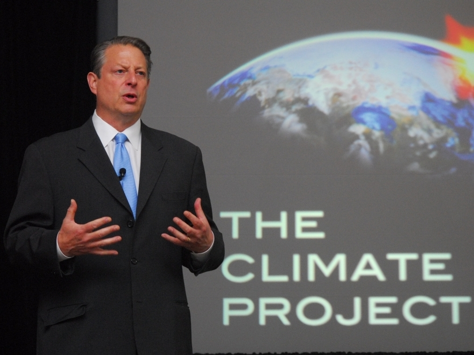 Former Vice President Al Gore trains a group of presenters for the <em>24 Hours of Reality</em> project. The online program will stream live online from 24 locations worldwide.