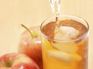 Fears over arsenic in apple juice are overblown, experts say.