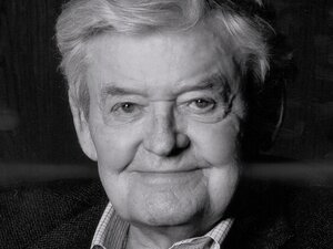 While actor Hal Holbrook is best known for his portrayal of Mark Twain, he has starred in scores of films and television programs.