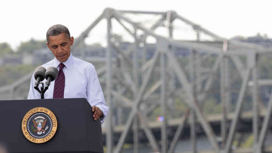 President Obama on Thursday visited the Brent Spence Bridge, which has been
