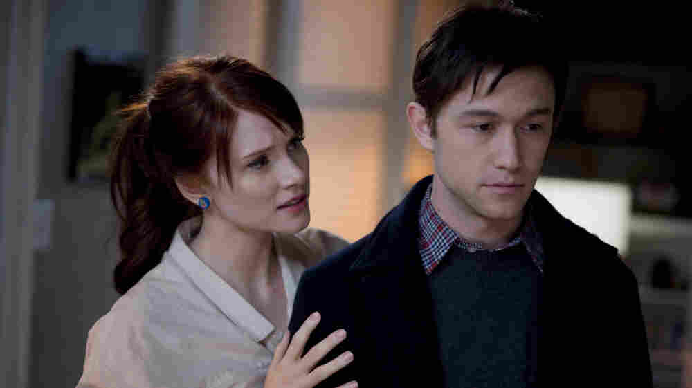 Comfort And Joyless: Rachael (Bryce Dallas Howard) meets the news of a cancer diagnosis for her boyfriend, Adam (Joseph Gordon-Levitt), with fortitude — at least for a few minutes.