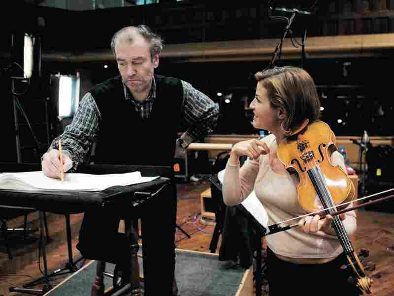 """Recording Sofia Gubaidulina's Violin Concerto, """"In tempus praesens,"""" with conductor Valery Gergiev and the London Symphony Orchestra, February, 2008."""