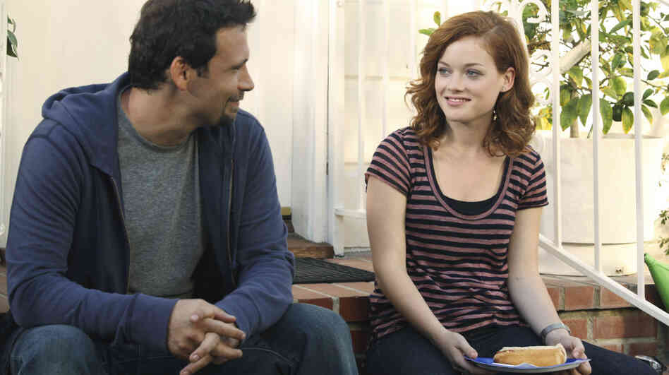 Jeremy Sisto and Jane Levy star in ABC's Suburgatory.