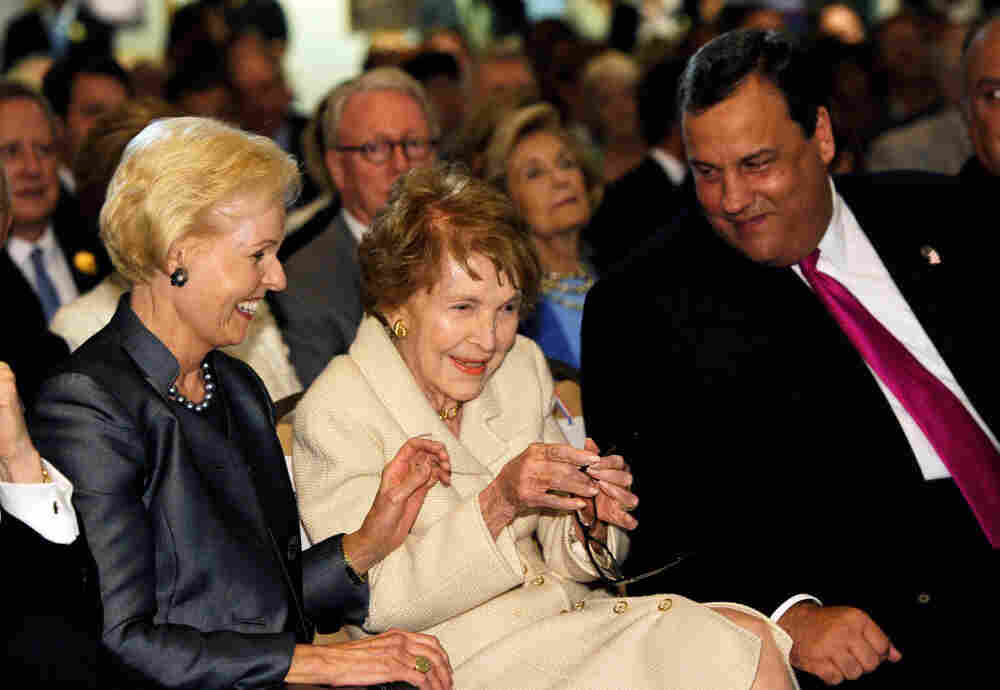 New Jersey Gov. Chris Christie shares a laugh with former first lady Nancy Reagan and Gayle Wilson (l), wife of former California Gov. Pete Wilson, Sept. 28, 2011.
